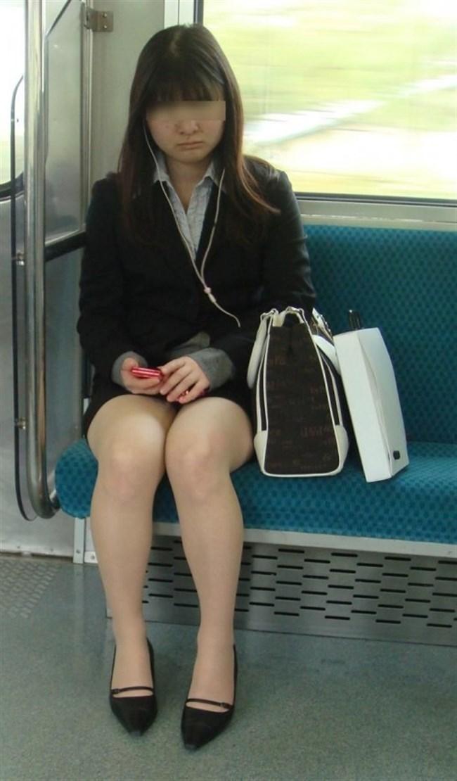 ミニスカ女子が電車内で爆睡するとこうなるwwww0003shikogin