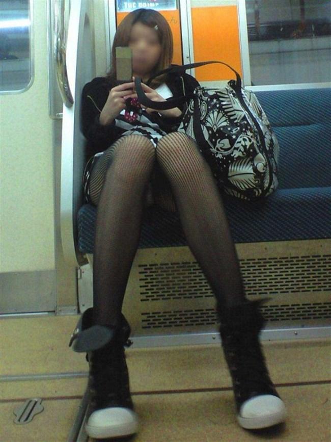 ミニスカ女子が電車内で爆睡するとこうなるwwww0007shikogin