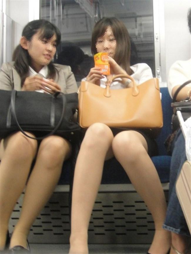 ミニスカ女子が電車内で爆睡するとこうなるwwww0010shikogin