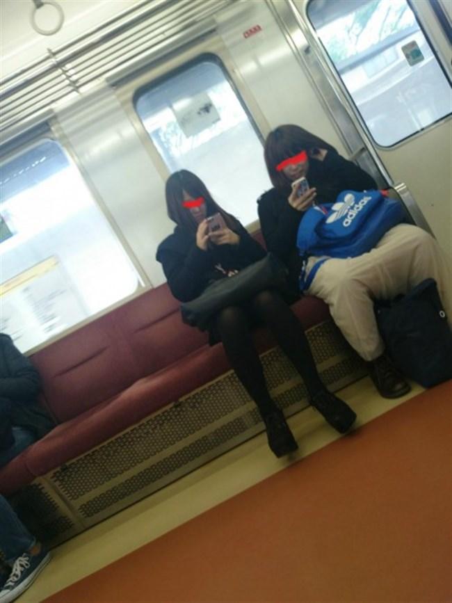ミニスカ女子が電車内で爆睡するとこうなるwwww0023shikogin