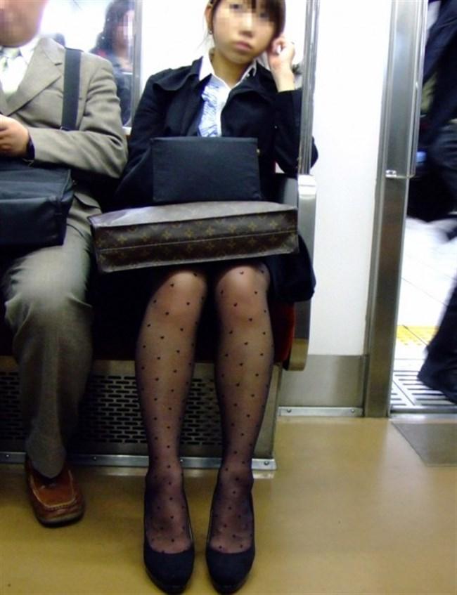 ミニスカ女子が電車内で爆睡するとこうなるwwww0028shikogin