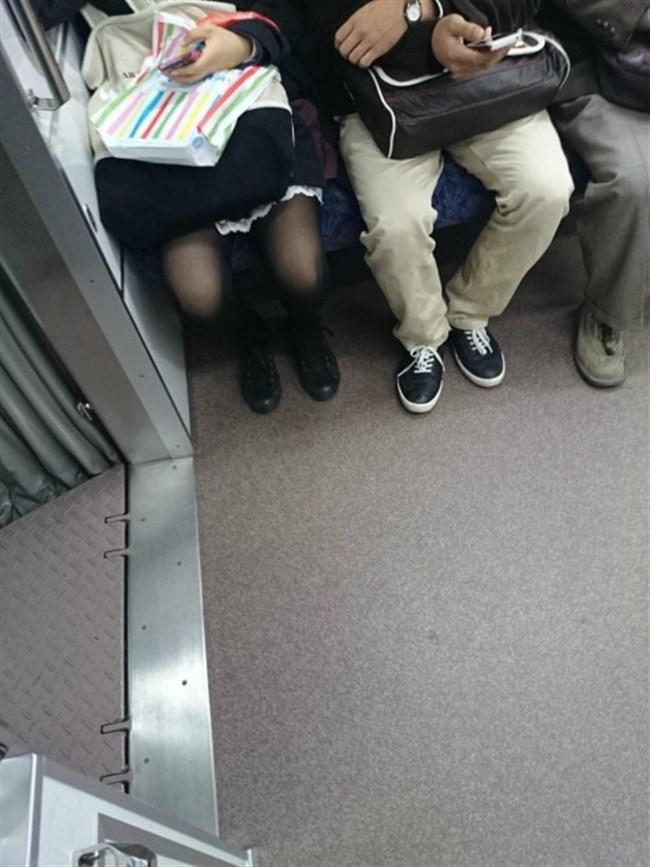 ミニスカ女子が電車内で爆睡するとこうなるwwww0029shikogin