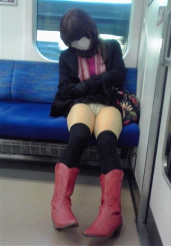 ミニスカ女子が電車内で爆睡するとこうなるwwww0034shikogin