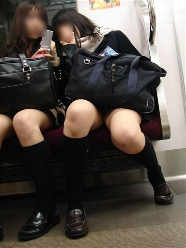 ミニスカ女子が電車内で爆睡するとこうなるwwww0037shikogin