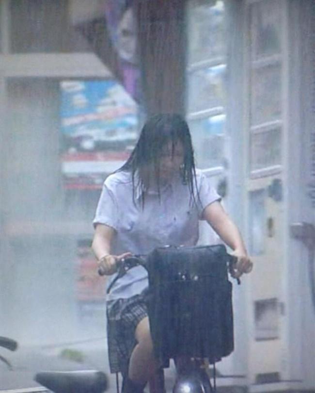 夏服JKが線状降水帯の集中豪雨に狙われてえちえちにwwww0008shikogin