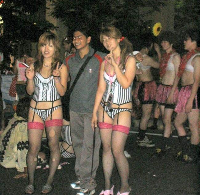 若い娘が下着姿で踊るえちえちフェスティバルwwwww0021shikogin