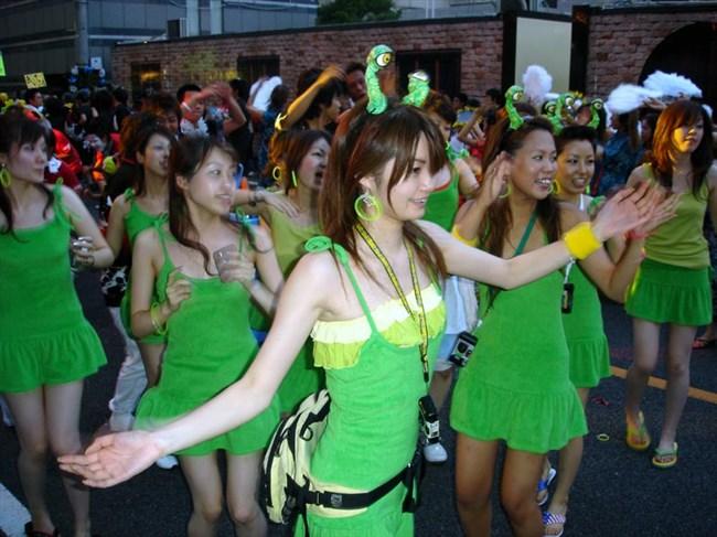 若い娘が下着姿で踊るえちえちフェスティバルwwwww0009shikogin