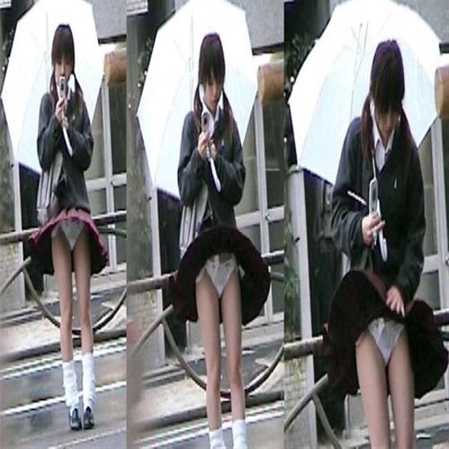 台風にスカートをガッツリめくられてるJKやOLwwwwwww0017shikogin