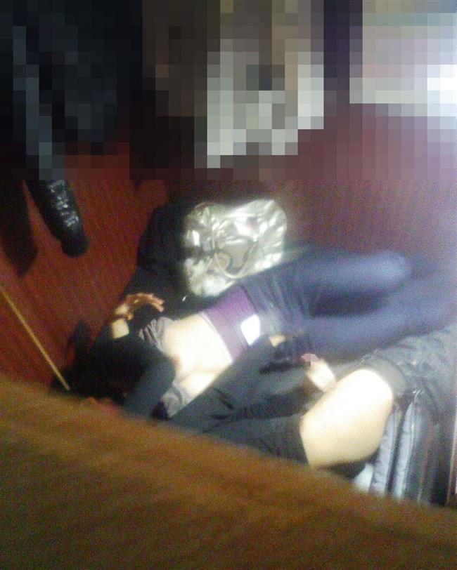 マン喫をラブホ代わりにするカップルはこんな風に盗撮されているwww0006shikogin