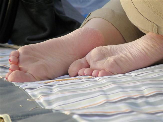 女子の足裏がおかずになるフェチのための画像まとめwwww0007shikogin