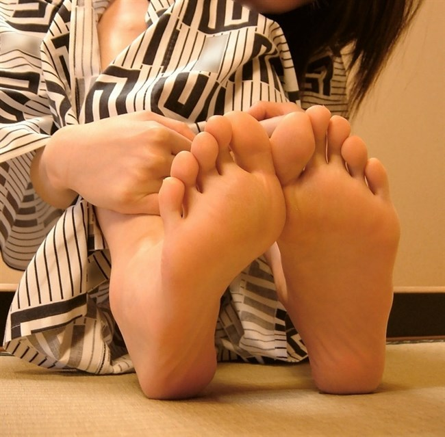 女子の足裏がおかずになるフェチのための画像まとめwwww0015shikogin