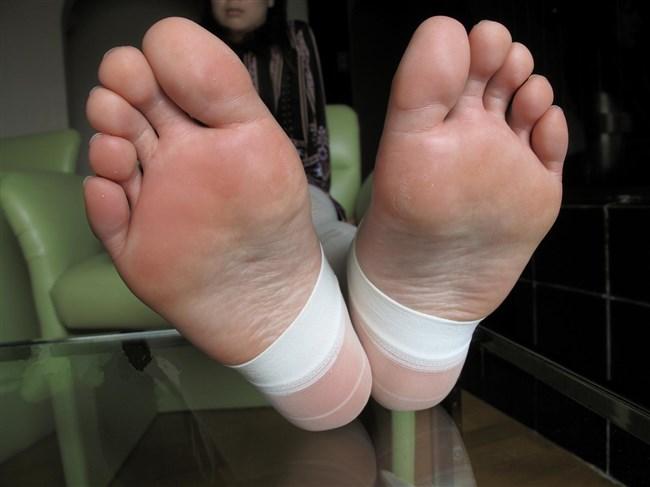 女子の足裏がおかずになるフェチのための画像まとめwwww0016shikogin