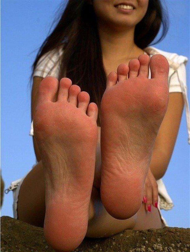 女子の足裏がおかずになるフェチのための画像まとめwwww0021shikogin