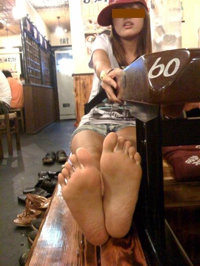 女子の足裏がおかずになるフェチのための画像まとめwwww0031shikogin