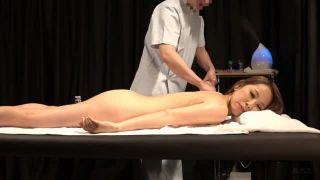 【乳首】美人な巨乳の奥様人妻の、昇天マッサージエステ無料H動画。【寝取られ動画】