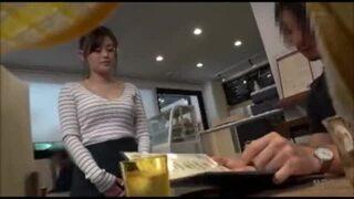 スレンダースケベでエロい爆乳の女性の、カーセックスフェラハメ撮りプレイエロ動画。エロい体してます!【店員】
