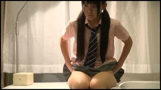 【JK 手マン】スレンダーでHな貧乳のJK女子校生の、手マンプレイが、産婦人科にて…!