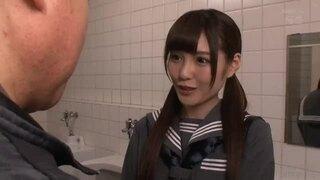 【トイレ】スレンダーな女子校生、橋本ありなのセックスパンチラエロ動画。【橋本ありな動画】