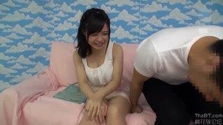 【童貞】スレンダーな巨乳の素人美女の、パイズリ筆おろしエロ動画!【素人、美女動画】