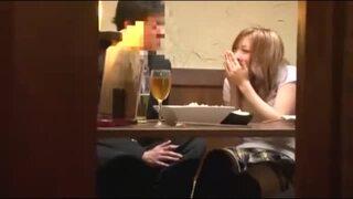 【キス動画】スレンダーでHな美尻の女性の、キス騎乗位羞恥プレイエロ動画。