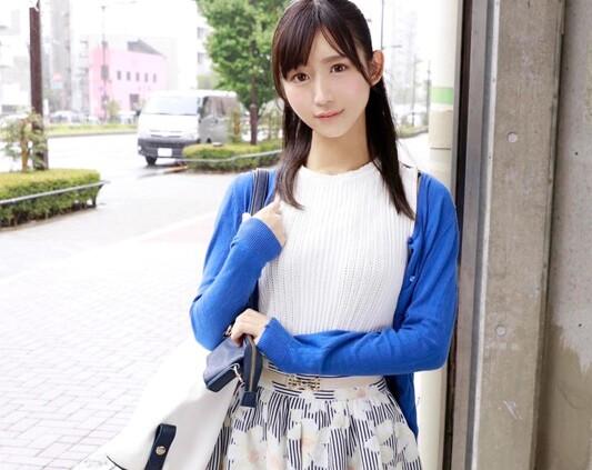 【エロ動画】スレンダー激カワな素人美少女の、フェラセックス即ハメプレイが、マジックミラー号にて…。めちゃキュートです!