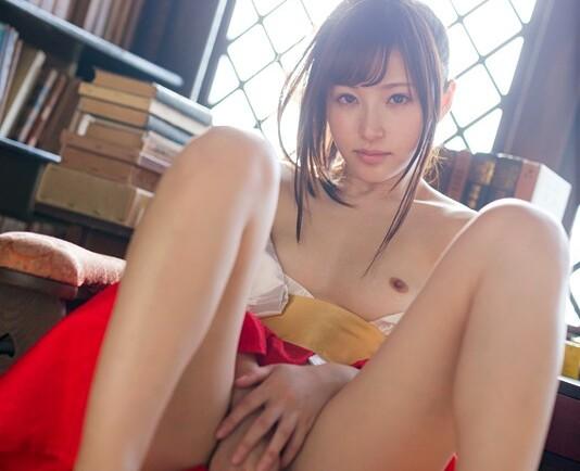 スレンダーS級な巨乳で美乳でパンスト姿の美少女アイドル、天使もえのイメージ主観コスプレ無料動画。【誘惑動画】