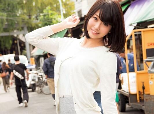 スレンダーな巨乳でパンスト姿の素人美少女の、フェラ昇天手コキ無料エロ動画!【素人、美少女、メイド動画】