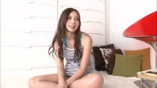 【妄想】スレンダーな巨乳の美少女の、羞恥手マンエロ動画。【美少女動画】