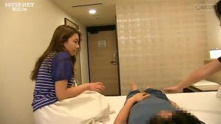 【お姉さん 素股】巨乳で美乳のお姉さん素人の、素股騎乗位プレイエロ動画。いい乳してます!【エロ動画】