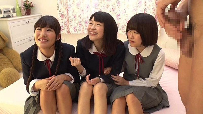 【女子校生 手コキ羞恥】制服姿の女子校生の、手コキ羞恥プレイがエロい。【エロ動画】