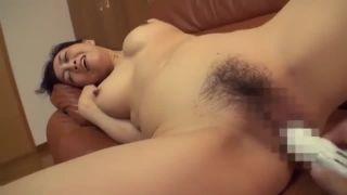 【おっぱい】巨乳の素人人妻の、セックス中出しフェラ無料H動画。【バック動画】