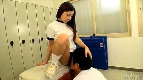 【エロ動画】ブルマで巨尻の女子校生の、顔面騎乗隠語放尿プレイがエロい!