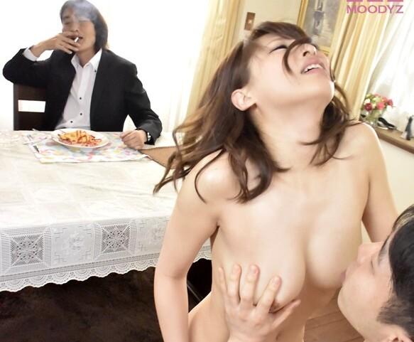 巨乳の美女人妻、秋山祥子の凌辱羞恥奴隷エロ動画!【レイプ、調教、輪姦動画】