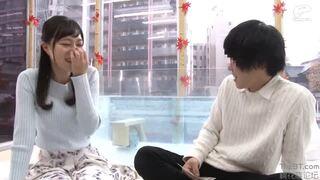 【エロ動画】超乳でランジェリー姿の素人女子大生の、素股中出しプレイが、MM号にて…!!いいおっぱいですね!