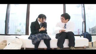 【童貞】制服姿の女子校生素人の、寝取られモニタリング中出しプレイエロ動画。
