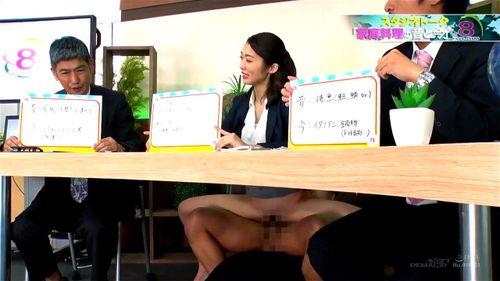 【エロ動画】スレンダーでHな美脚の女子アナの、お漏らし騎乗位潮吹きプレイエロ動画!