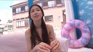 【美少女】スレンダーツインテールでエロい水着姿の美少女JDの、筆おろしセックスプレイエロ動画!!【童貞】
