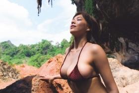 Minami Wachi swimsuit bikini gravure 90cm Hcup grader elegantly fascinated007