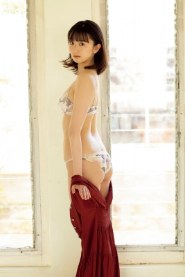 Ayano Kuroki swimsuit bikini gravure Lady exposes her limits 2021010