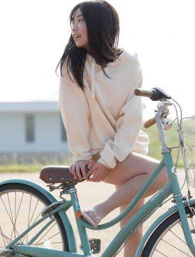 Yuno Ohara swimsuit bikini gravureShe has a stunning body010
