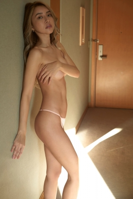 Maria Tomos first swimsuit gravure boldly shows offher world-class stunningly naked body005