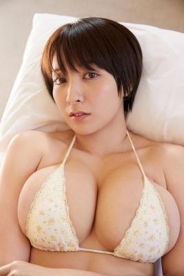 Konno Shiori swimsuit bikini gravure whipped H cup007