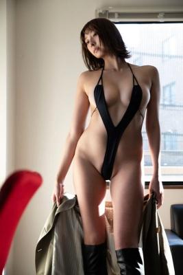 Saki Ogata swimsuit bikini gravure Embodying the fantasies of men006