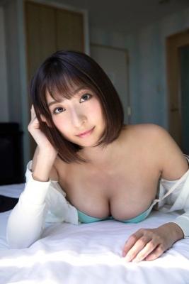 Saki Ogata swimsuit bikini gravure Embodying the fantasies of men009