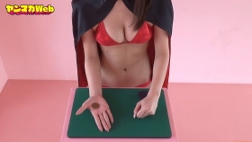 Yuki Mitera Magic in Red Swimsuit Part 2 2021085