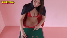 Yuki Mitera Magic in Red Swimsuit Part 2 2021111
