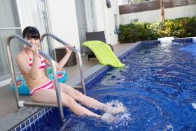 Hinako Tamaki swimsuit bikini gravure pool floatation ring40017