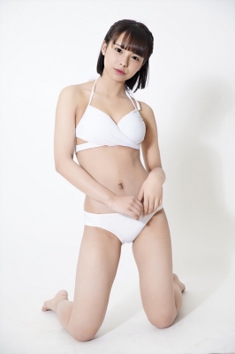 Amisa Miyazaki swimsuit bikini gravure Beautiful girl with dolly face18 years old, is sure to make abreakthrough028