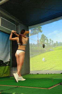 Sumire Noda plays golf in a swimsuit 2021004