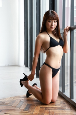 Sumire Noda plays golf in a swimsuit 2021006